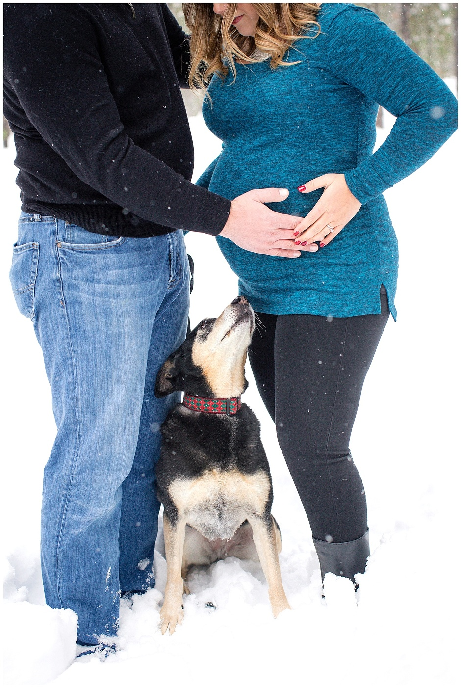 Sunriver Oregon Snowy Maternity Photography // Mellissa & Rick // Twin Maternity Photos // Stevi Sayler Photography