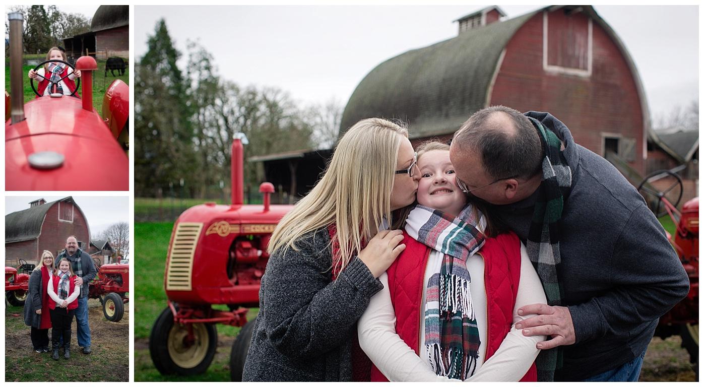 Eugene Oregon Family Photography // Northern Lights Christmas Tree Farm // Sutter Family Photos ...